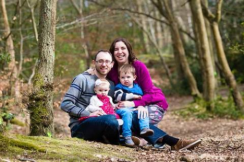 Natural family photography outdoor in woods