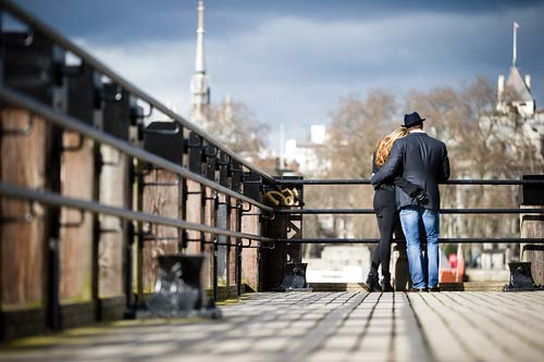 London-pre-wedding-photography-River-Thames